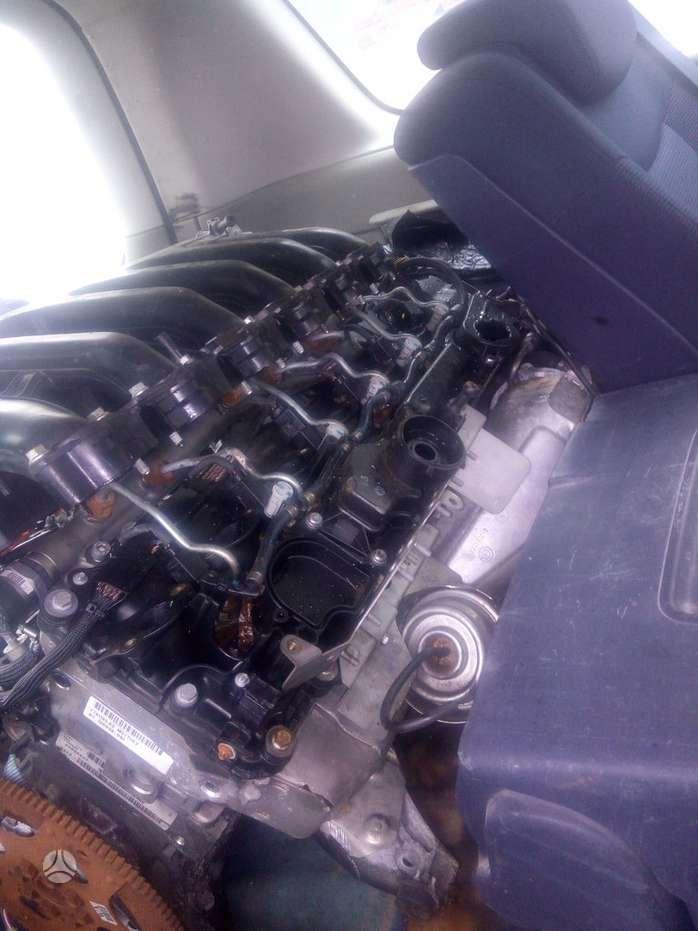 BMW X6. 3.5d.3.0sd.210kw.variklis ir viskas aplink ji.