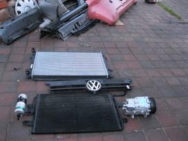 Volkswagen Golf. Galinis buferis-