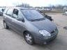 Renault Scenic dalimis. Turime ivairiu