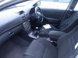 Toyota Avensis, 2.0 l., hečbekas