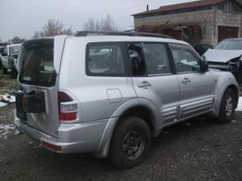 Mitsubishi Pajero. Yra 7 vietu juodas odinis