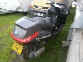 Piaggio X8, motoroleriai / mopedai