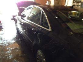 Audi A8 dalimis. Naujai ardoma audi a8. 4x4
