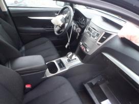 Subaru Legacy. Auto isardyta usa.