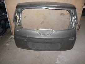 Peugeot 5008. Detalių pristatymas visoje