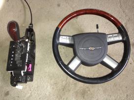 Chrysler 300c. Yra ir daugiau daliu