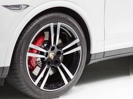 Porsche Cayenne S, lengvojo lydinio, R22