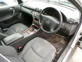 Mercedes-benz C220 dalimis. Platus mercedes -