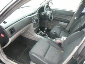 Subaru Forester dalimis. Superkame subaru