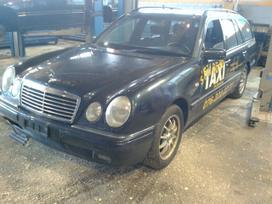 Mercedes-benz E280. Variklio kodas  dėžės