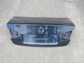 Volkswagen Jetta. Detalių pristatymas visoje