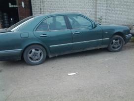 Mercedes-benz E290 dalimis. Superkame