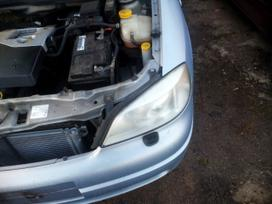 Opel Astra dalimis. Opel dalys