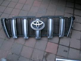 Toyota Land Cruiser. Groteles- durys-