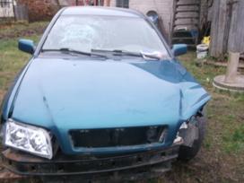 Volvo V40 dalimis. Volvo v40 01m. 1.9td 85kw