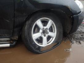 Toyota Rav4 dalimis