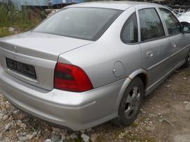Opel Vectra dalimis. Superkam automobilius