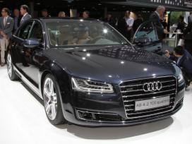 Audi A8. Naujų orginalių detalių užsakymas