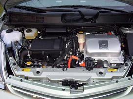 Toyota Prius. Variklis dalymis.  naudotu ir