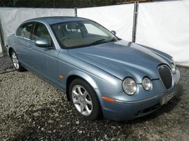 Jaguar S-type. Variklis ardomas dalimis.ratai