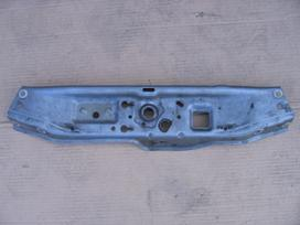 Opel Astra dalimis. Sparnas r plastmasė ant