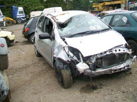 Toyota Yaris. Tik pilnas variklis su deze dalimis