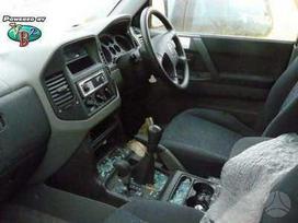 Mitsubishi Pajero. Taip pat yra ir 2/3 durų
