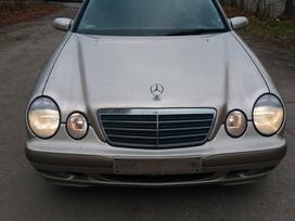 Mercedes-benz E270. Dalimis superkame