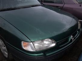 Renault Safrane. Dalimis