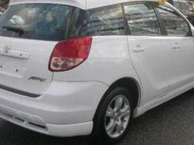 Toyota Matrix dalimis. Kėbulo dalys, žibintai
