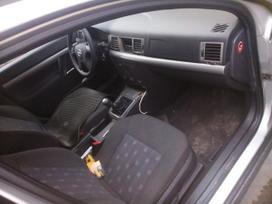 Opel Vectra dalimis. Automobiliu dalys