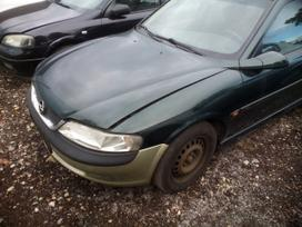 Opel Zafira dalimis. Automobiliu dalys