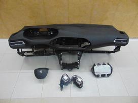 Peugeot 5008 dalimis.  vilnius - kaunas