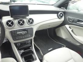 Mercedes-benz Cla klasė dalimis. Automobilis