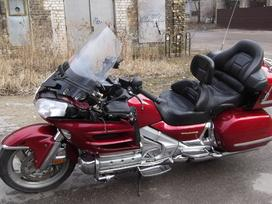 Honda Goldwing, touring / sport touring /