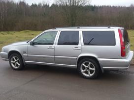 Volvo V70. Automobilis parduodamas dalimis.