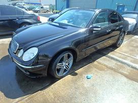 Mercedes-benz E200 dalimis. Maza rida