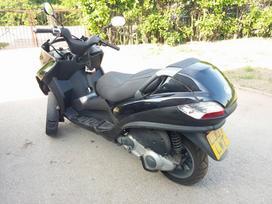 Piaggio Mp3, motoroleriai / mopedai