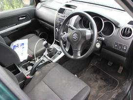 Suzuki Grand Vitara dalimis