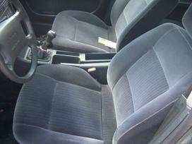 Audi 100 dalimis