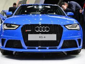 Audi Rs4. ! naujos originalios dalys !