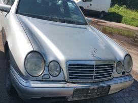 Mercedes-benz E290