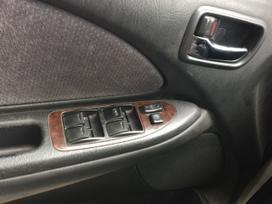 Toyota Avensis dalimis