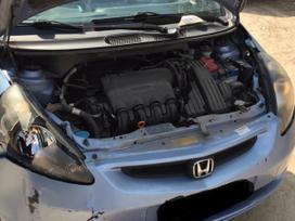 Honda Jazz dalimis. Nauja masina rida tik 18