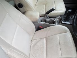 Volvo V50. Dazu kodas 464-46 rida 105000