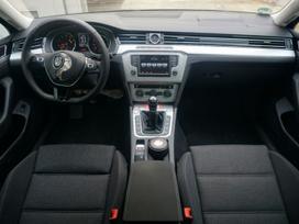 Volkswagen Passat. 2.0tdi 110kw. navi, led