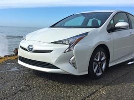 Toyota Prius. Naujų originalių automobilių