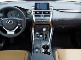 Lexus Nx klasė. platus naudotų detalių