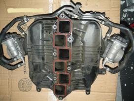 Nissan 350z. Nissan 350z left xenon headlight