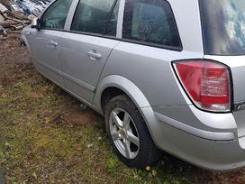 Opel Astra dalimis. Pilnos komplektacijos 1